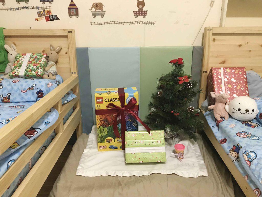 【育兒】聖誕節禮物與樂高開箱影片 (希5y9m 瀚3y2m)